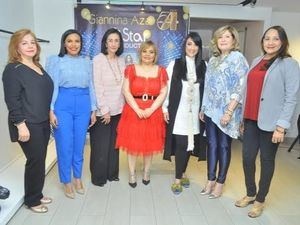 Carmen de Medina, Rommy Pichardo, Rosalía de Álvarez, Rommy Grullón, Giannina Azar, Mirka Morales y Keisin Herrera.