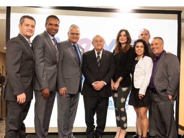 Héctor Henriques, Sam Jean, Félix Obregón, Doctor Franklyn Holguín, Rector Unapec , María Torre, Mara Correa, Mario Santos y Mauricio Villegas.