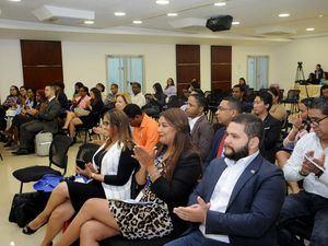 Representantes del Mescyt, del MICM y emprendedores sociales asisten a la actividad que busca crear alianzas y fomentar el emprendimiento social.