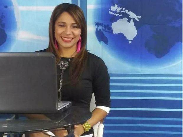 """Periodista Carolina Martínez, de origen dominicano fue nominada  como periodista del año en el premio  """"USA New York , Music Awards""""."""