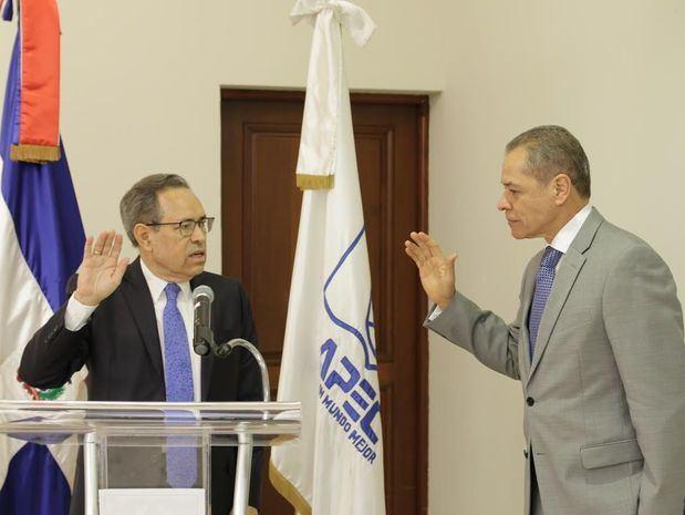 Juramentación del Lic. Fernando Langa a la Presidencia del Consejo de Directores de APEC.