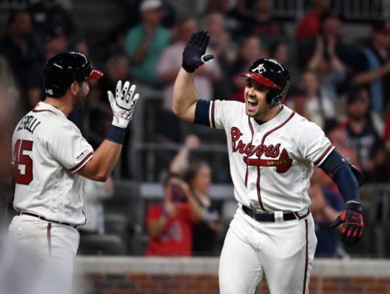 Atlanta rompe récord de 100 años; Deivi García gana primero en Grandes Ligas