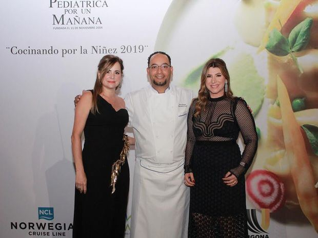 María Isabel Serulle, Kevin Green y Laura Asilis.