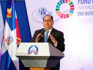 El director regional para Latinoamérica y el Caribe del Programa de las Naciones Unidas para el Desarrollo (PNUD), Luis Felipe López Calva, hizo un llamado a no a parar la innovación, sino a tener un ecosistema más disruptivo, que genere un cambio en las formas en cómo se hacen las cosas en materia de políticas sociales.