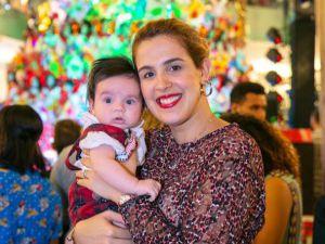 Natalia Torres y su hijo Javier de la Vega.