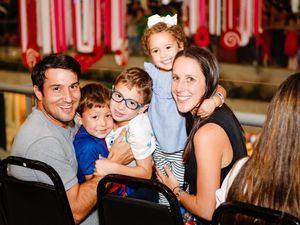 Salomon Cohen, Carlos Cohen, Noha Cohen, niña Andrea Cohen y Stefany Crivosel