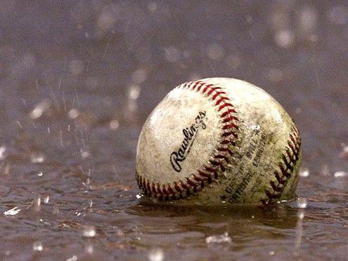 Las lluvias impiden de nuevo celebrar partido entre Águilas y Estrellas