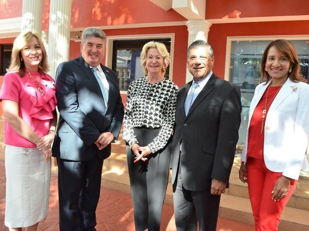 Saint George School inaugura Innovation Centre