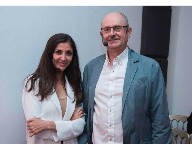 Noche de escritores: Espido Freire y Fernando Marías emocionan con monólogos teatrales