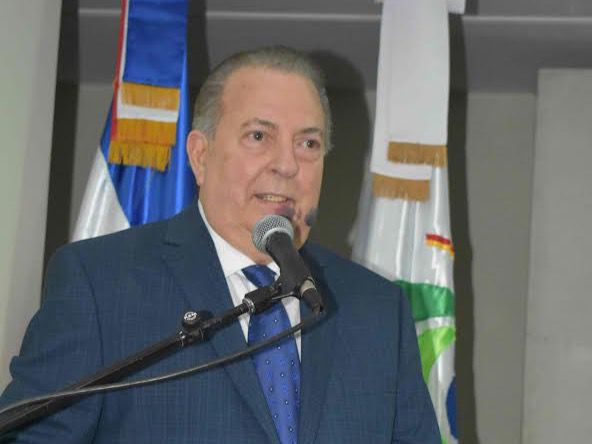 El ministro de Cultura exhorta a luchar hasta erradicar la violencia contra la mujer