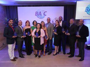 Los representantes de las empresas reconocidas y directivos de BASC Dominicana.