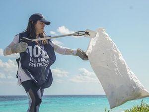 El plástico no pertenece a las costas.