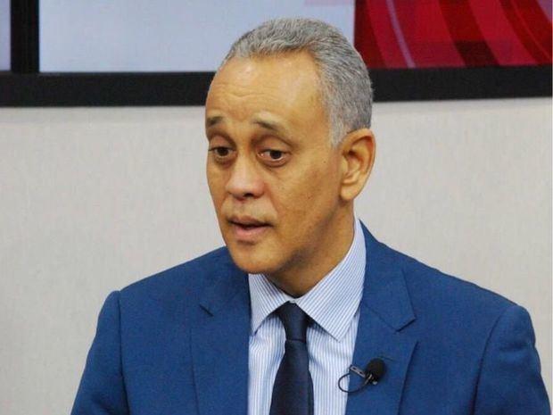 Miembro de la Dirección Política de la Fuerza del Pueblo (FP) Manolo Pichardo.