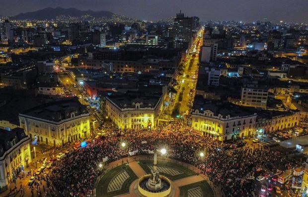 Perú entra en etapa de reflexión y llama a respetar los resultados de las elecciones