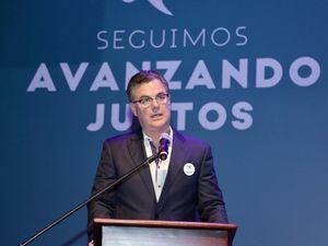 Manuel Diez, Presidente de Polyplas agradece autoridades y organismos de emergencia por el apoyo recibido al momento del accidente.