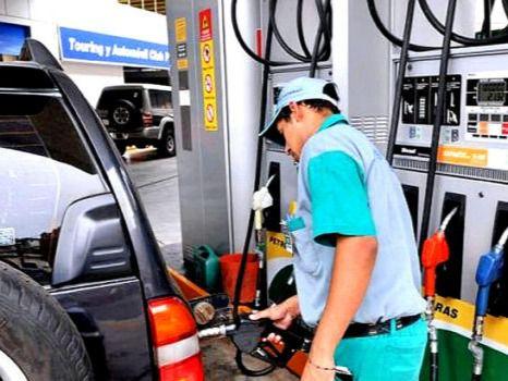 Gobierno aumenta  precios de los combustibles.