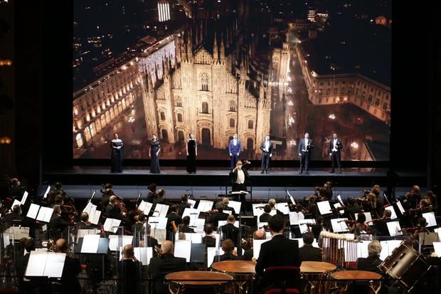 El virus no enmudece a la Scala de Milán
