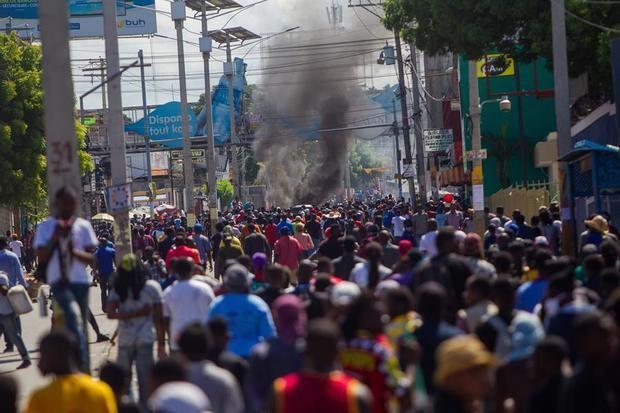 Al menos un muerto en manifestaciones de la oposición contra el presidente Haití