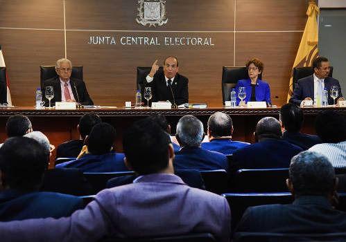 Pleno de la JCE aprueba 11 Resoluciones y 2 Reglamentos para procesos electorales 2020
