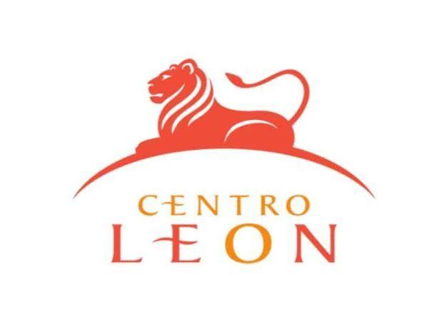 Centro León invita | Conversatorio | La moda y los medios