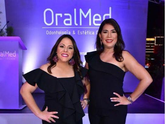OralMed ofreció coctel para festejar cuatro años brindando servicios