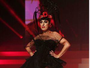 Rossy de Palma, con un vestido negro de Gaultier.