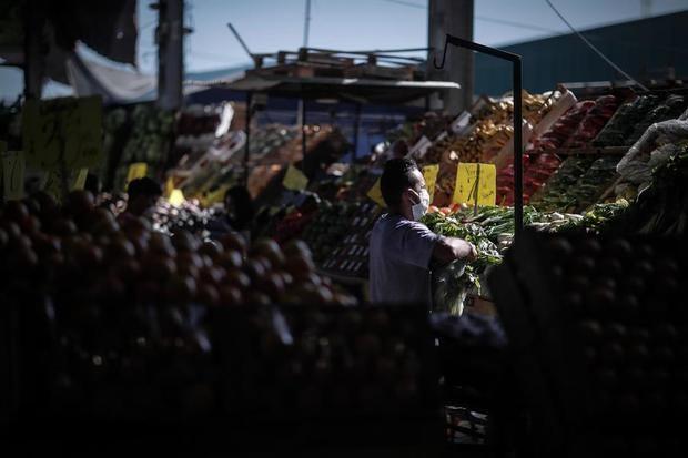 La inflación en Argentina se acelera en medio de la emergencia por el coronavirus