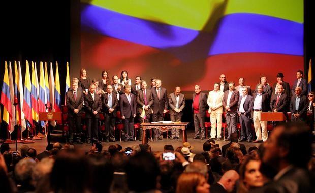 Grupos armados y el coronavirus afectan la implementación de la paz en Colombia