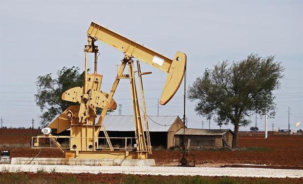 El petróleo de Texas sube un 0,5 %, hasta los 52,85 dólares el barril