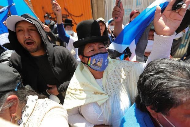 El triunfo del MAS en Bolivia es reconocido en espera aún del cómputo oficial