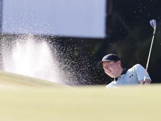Matthew Fitzpatrick de Inglaterra England en acción durante la primera ronda del torneo WGC-Workday Championship que se juega en el campo Concession Golf Club, en Bradenton, Florida, EE.UU.