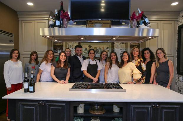 Parte del grupo invitado al Cooking Show.