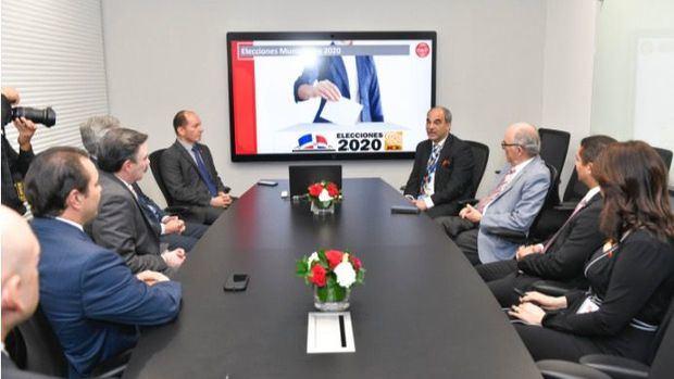 La JCE verifica la fiabilidad en la transmisión de datos para las municipales a celebrarse este 16 de febrero 2020.