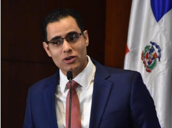 Ministro de Economía: nuevas leyes son una reforma estructural en el Sistema de Seguridad Social