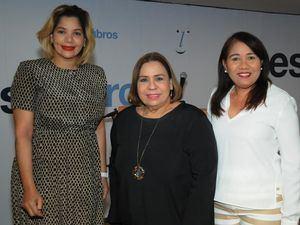 Hilaria Hilario, Mirna Pimentel y Martha García de Belliard.