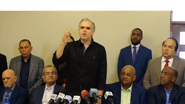 La oposición convoca marcha para el domingo tras suspensión de los comicios