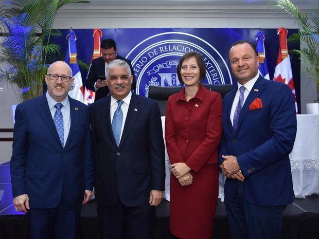 Presidente de CANCHAMRD destaca posible TLC con Canadá; afirma impactará economía
