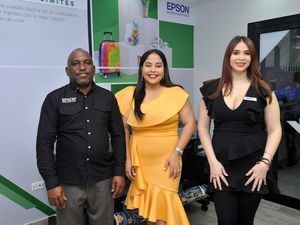 Rafael Vizcaíno, Yarisbel Sosa y Daniela Moreno.