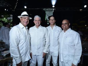 José Hernández, Eduardo Estrella, Eduardo Guarionex y Edyn Tavárez.