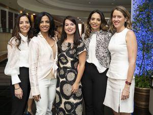 Alexandra Capellán, Claudia Rivas, Amelia Nova, Mónica Capellán y Natalia Lama.