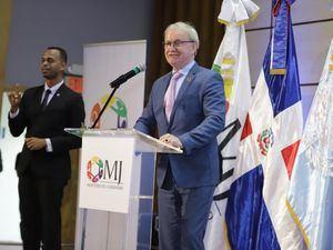 Arie Hoekman, calificó la elaboración del plan como un gran logro felicitó a la gestión del Ministerio de la Juventud por motorizarlo.