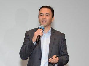 Director de Latam de Salesforce, Carlos Kamimura, durante su presentación sobre la Cuarta Revolución Digital.
