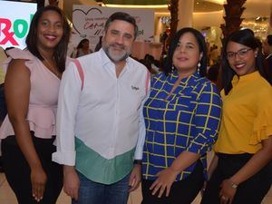 Luz Ortíz, Vinicio Curiel, Yeimi Aquino y Laura Rosario.