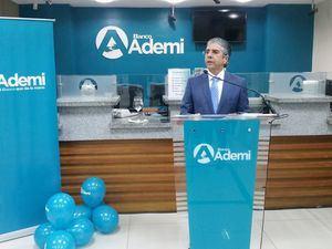 Presidente Ejecutivo de Banco Ademi, Guillermo Rondón.