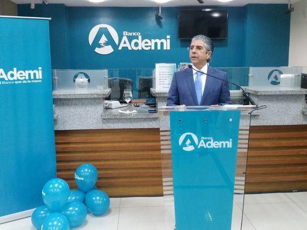 """Banco Ademi presenta """"Credi-Mejoras"""" para viviendas y microempresas"""