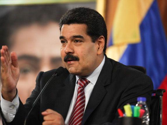 """Venezuela declara siete estados y Caracas en """"cuarentena social"""" por COVID-19"""