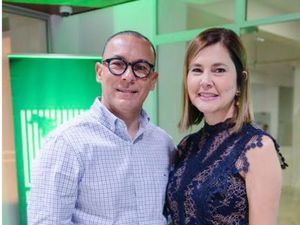 Manuel Sajour y Claudia de Sajour.