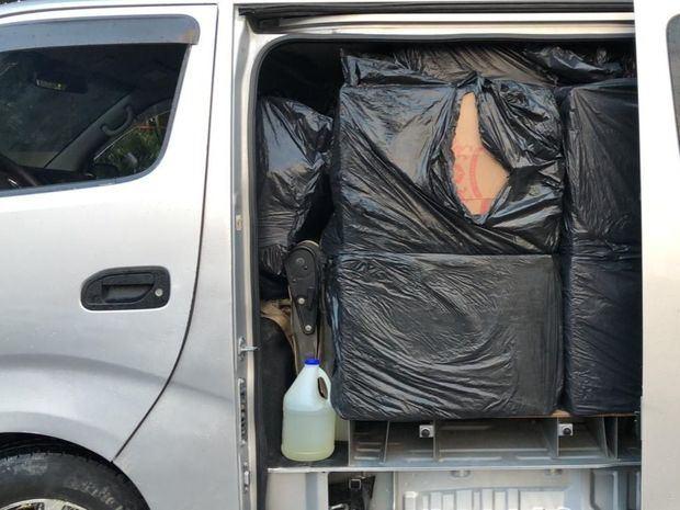 Aduanas decomisa 1,8 millones de cigarrillos y apresan 4 hombres en Puerto Plata