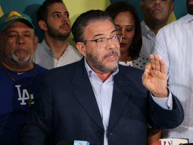 Alianza País propone posposición elecciones del 17 mayo