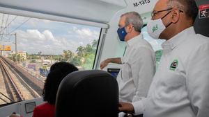 Abinader anuncia un plan de transporte masivo en la capital y en Santiago.